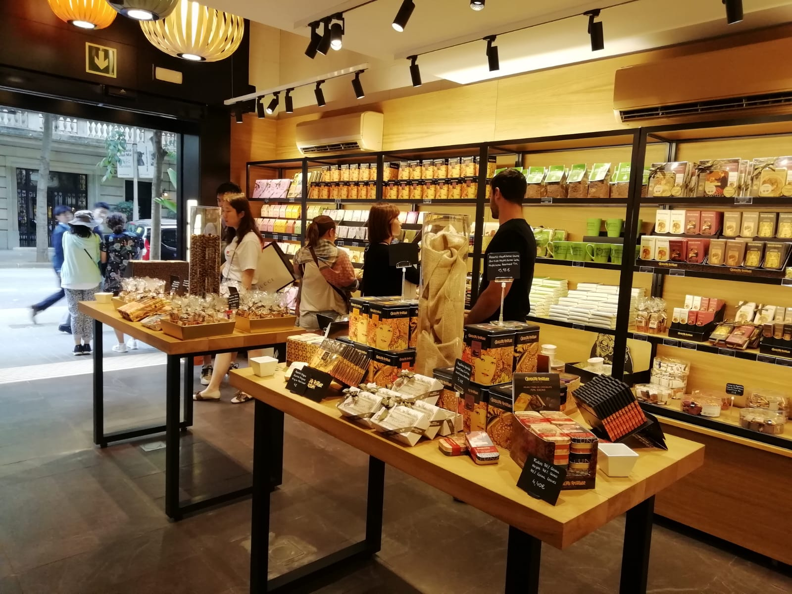 The new Chocolate Amatller shop in the heart of Barcelona