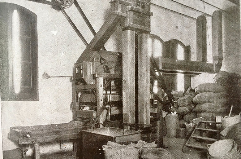 Cocoa cleaning room